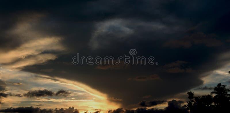 Giro del fantasma nel cielo fotografia stock libera da diritti