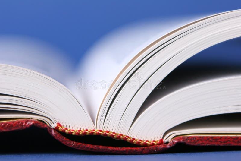 Giro di pagine del libro fotografia stock libera da diritti