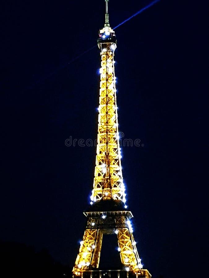Giro Eiffel del sole fotografie stock libere da diritti