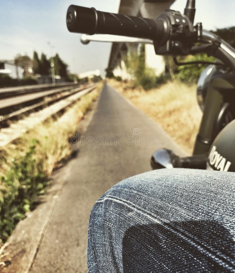 Giro lungo la ferrovia fotografie stock