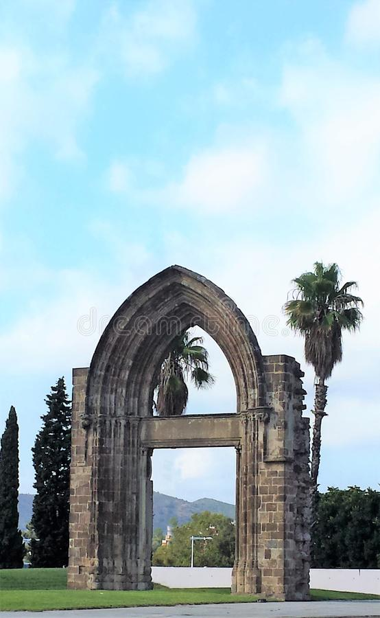 Girona, Cataloni?, Spanje - Augustus 20, 2015: Boog stock foto's