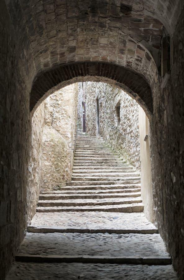 Girona Catalunya, España, calle vieja imagen de archivo libre de regalías