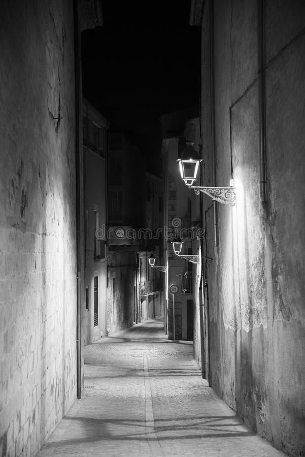 Girona Catalunya, España por noche imagenes de archivo