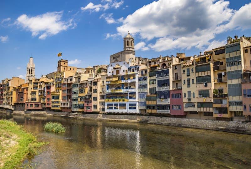 Girona - Kleurrijke huizen stock foto's