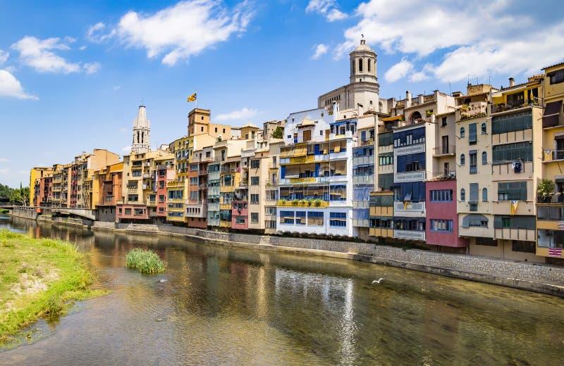 Girona - Kleurrijke huizen royalty-vrije stock fotografie