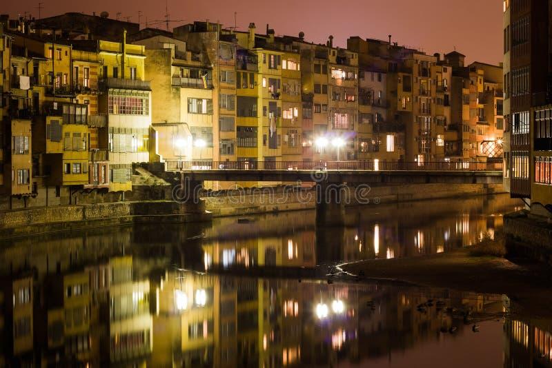 Girona przy noc fotografia stock