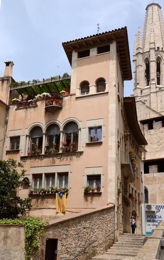 GIRONA, SPAGNA - 14 MAGGIO: Durante il Temps de Flors (festival del fiore) fotografia stock libera da diritti