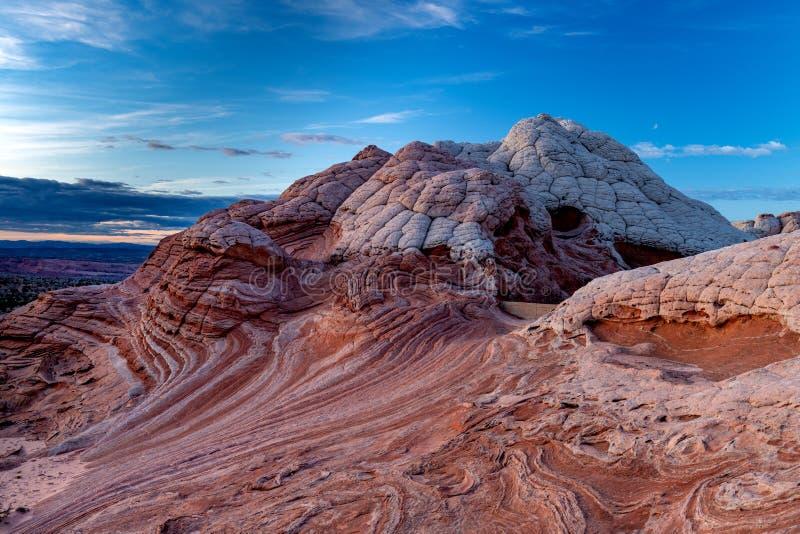 Giros torcidos de formaciones rocosas en el desierto de Arizona imágenes de archivo libres de regalías