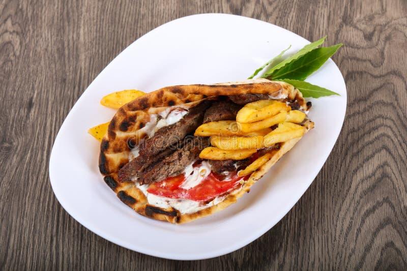 Giroscópios - culinária do grego da tradição foto de stock