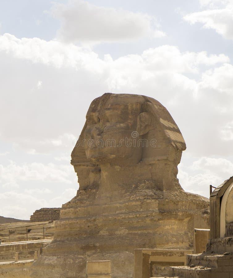 Giseh-Sphinx mit Pyramiden kairo Egypt lizenzfreies stockbild