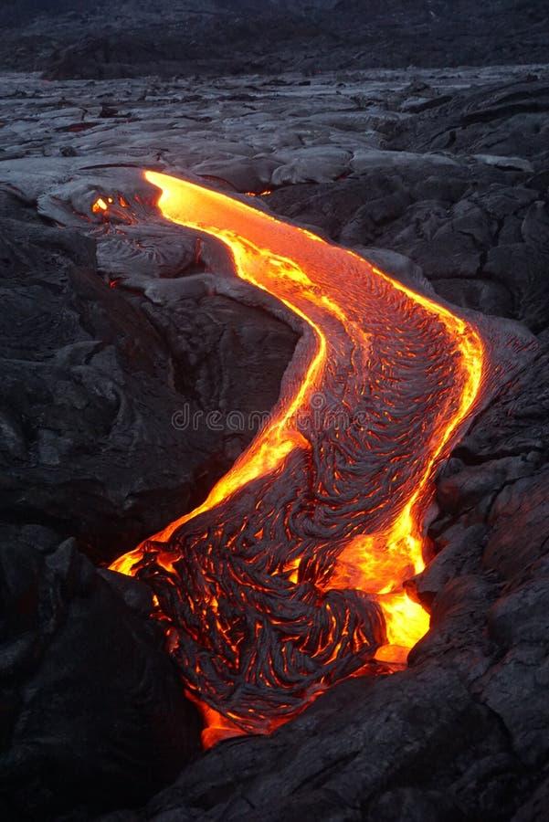 Gisement de lave avec de la nouvelle lave en Hawaï images libres de droits