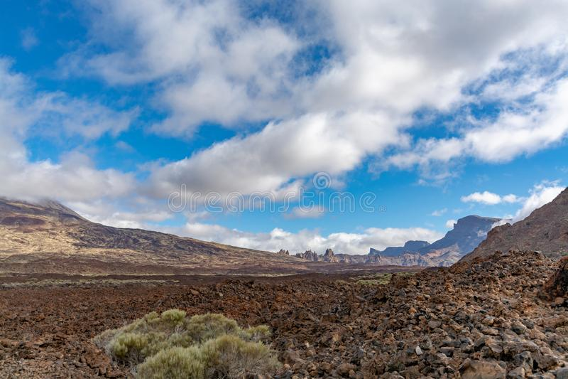 Gisements de lave volcaniques sur la plus haute montagne dans le bâti Teide, Tenetife, îles Canaries, Espagne de l'Espagne images stock