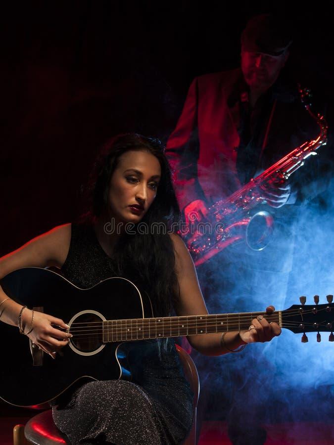 Gitaar en Saxofoon stock fotografie