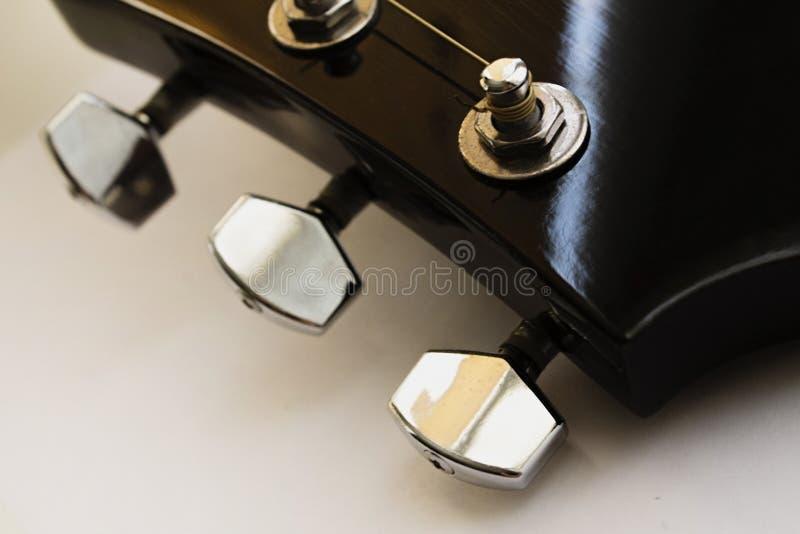 Gitaarhals met het stemmen van pinnen royalty-vrije stock afbeelding