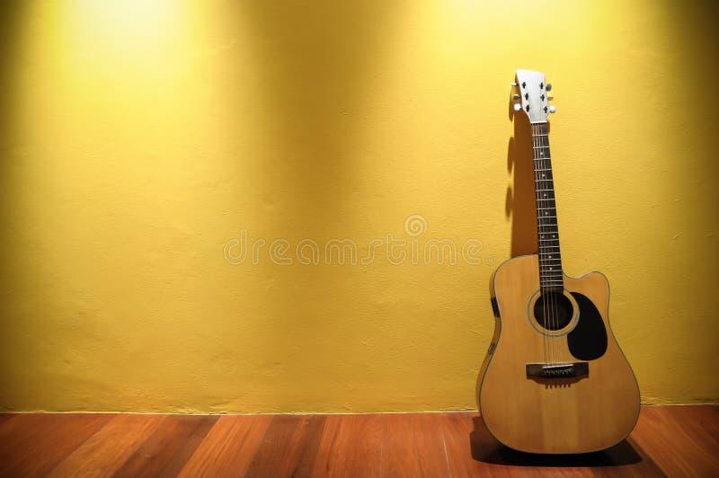 Gitara akustyczna obrazy stock