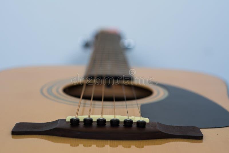 Gitara akustyczna most Materiały: cedr i mahoń zdjęcie stock