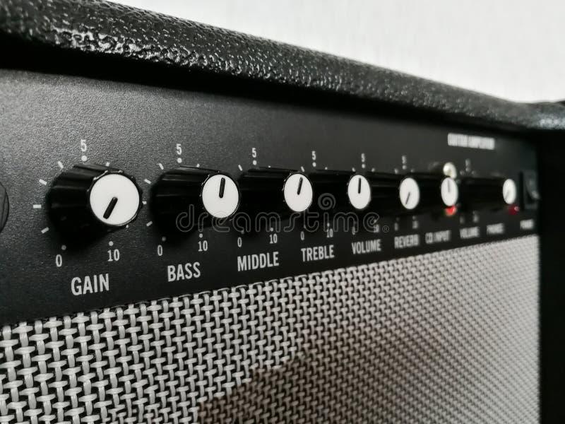 Gitara combo amplifikatoru kontrolne gałeczki fotografia stock