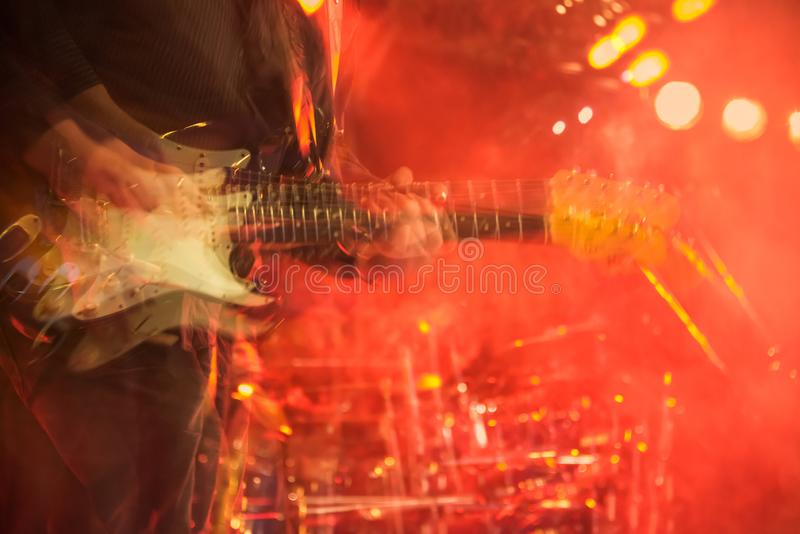 Gitara elektryczna gracza wielokrotność drżący zamazany ujawnienie obrazy royalty free