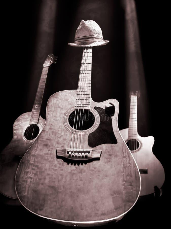 Gitarren auf der Stufe stockbilder
