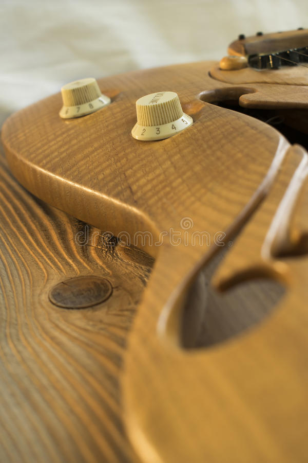 Gitarren-Bedienknöpfe lizenzfreie stockfotografie