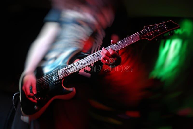 Gitarren vaggar musik fotografering för bildbyråer