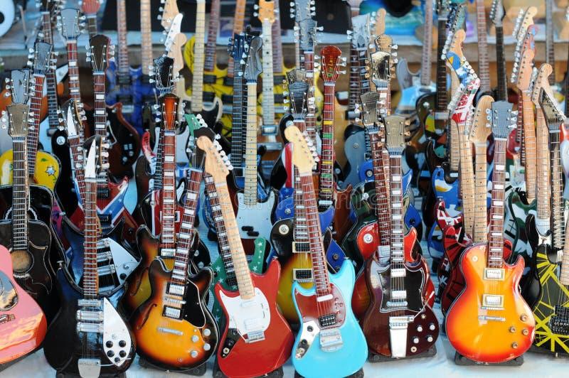 gitarrer mycket royaltyfria bilder