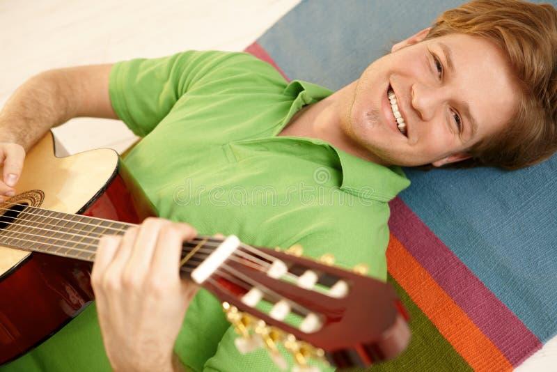 gitarrstående royaltyfria bilder