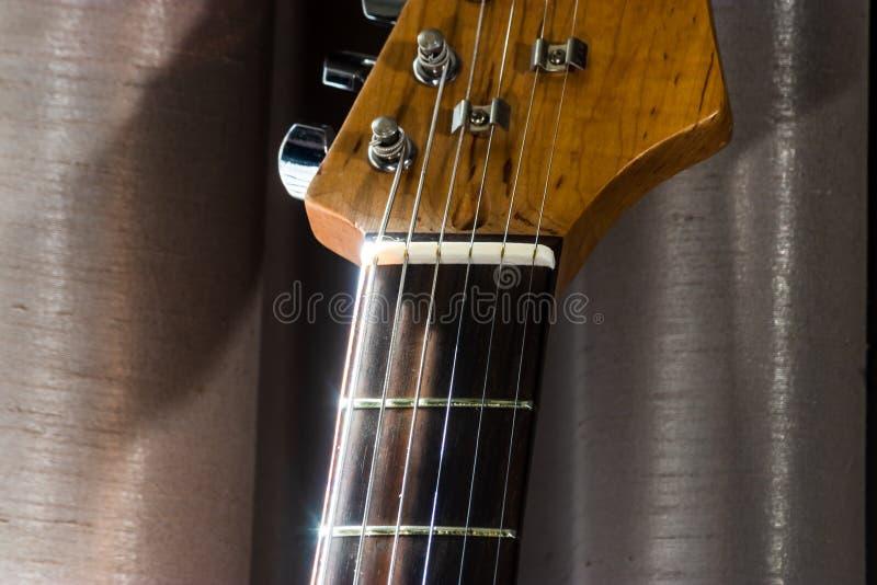Gitary elektrycznej szyja spotyka głowę obrazy stock