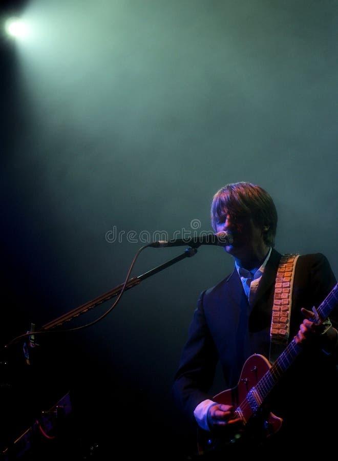 gitarzysty koncertowy piosenkarz zdjęcie royalty free