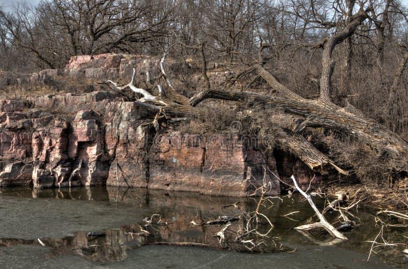 Gitchee Manitou是在衣阿华/南达科他边界的一个自然保护区臭名昭著为孩子谋杀  免版税库存图片