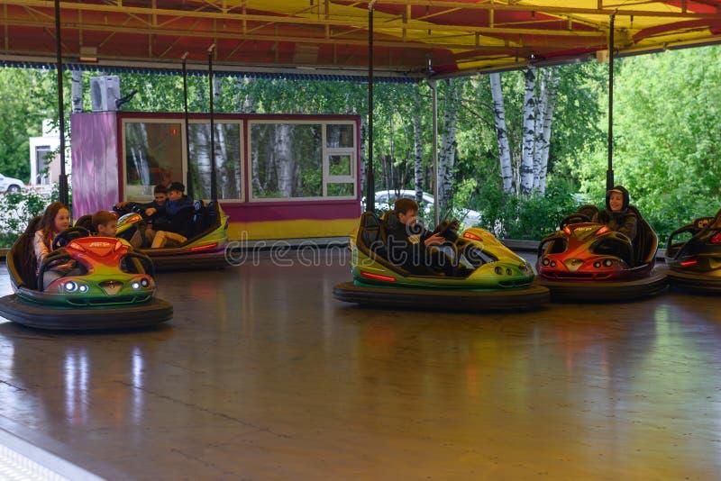 10 giugno 2018: Anniversario del parco 500 di Ceboksary giro dei bambini immagine stock