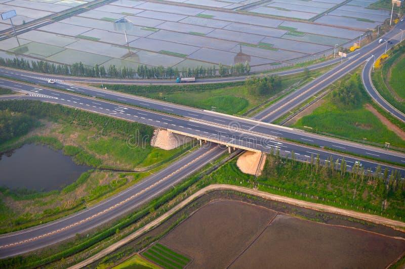 Giunzione della strada principale, aerea fotografia stock libera da diritti