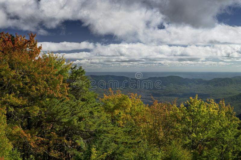 Giunzione di Ridge su Blue Ridge Parkway in North Carolina, Stati Uniti fotografie stock