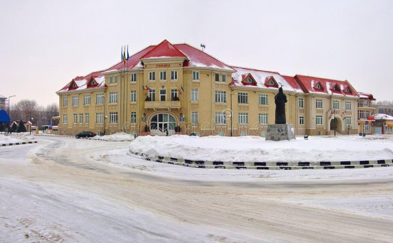 Giurgiu Romania city hall på vintern - Primaria Giurgiu iarna arkivfoton