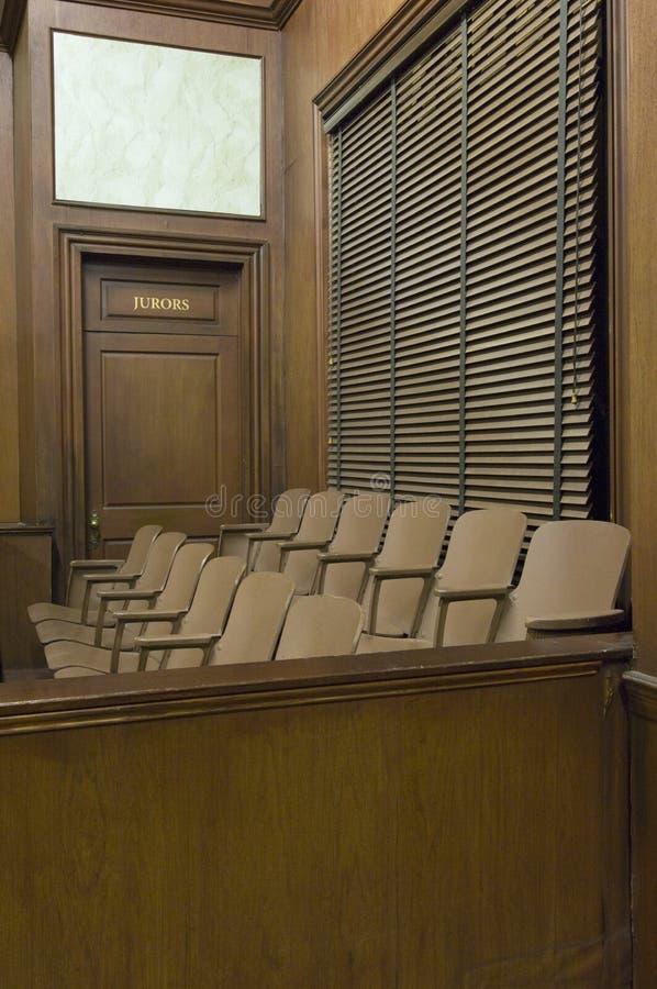 Giurie che mettono in tribunale fotografie stock