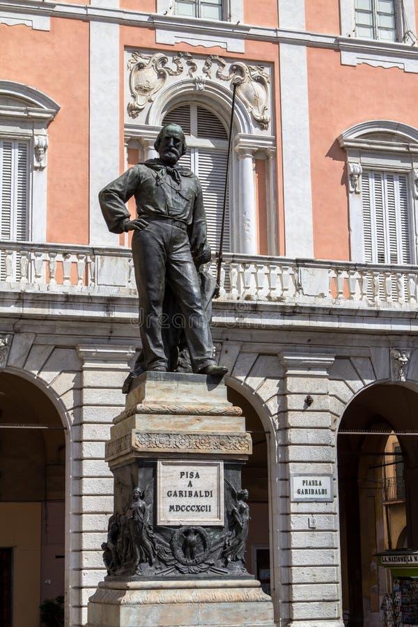Giuseppe Garibaldi-standbeeld in Pisa, Italië stock afbeelding