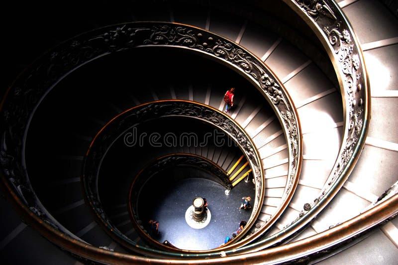Giuseppe Momo entwarf Wendeltreppe innerhalb der Vatikan-Museen stockfotografie
