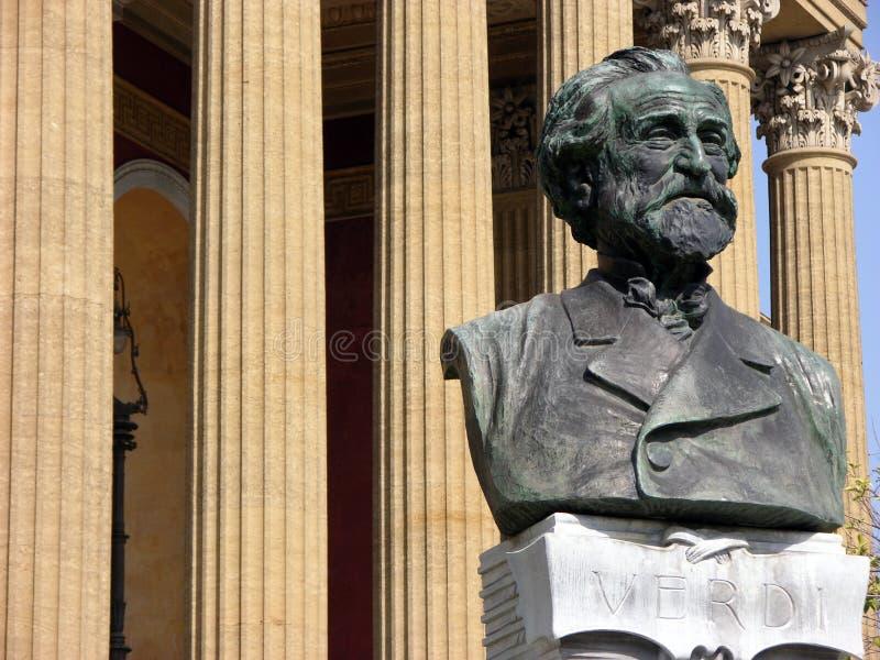 Giuseppe Verdi-standbeeld voor Theater Politeama in Palermo, Sicilië royalty-vrije stock fotografie