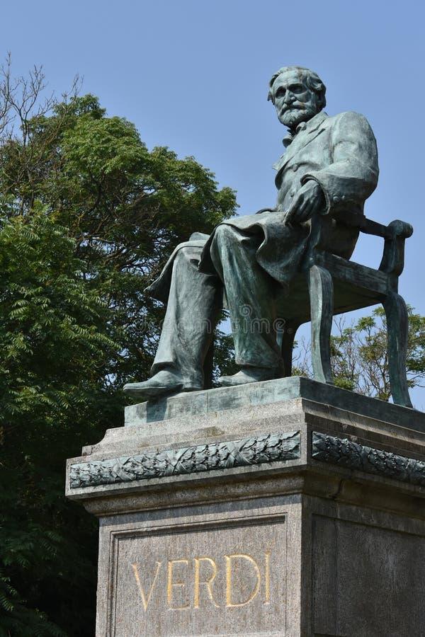 Giuseppe Verdi Statue in Busseto stock foto's