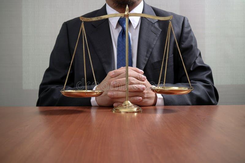 Giustizia E Concetto Di Legge Avvocato Maschio Nell ...