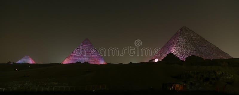 Giza pyramidkomplex i Kairo, Egypten royaltyfri fotografi