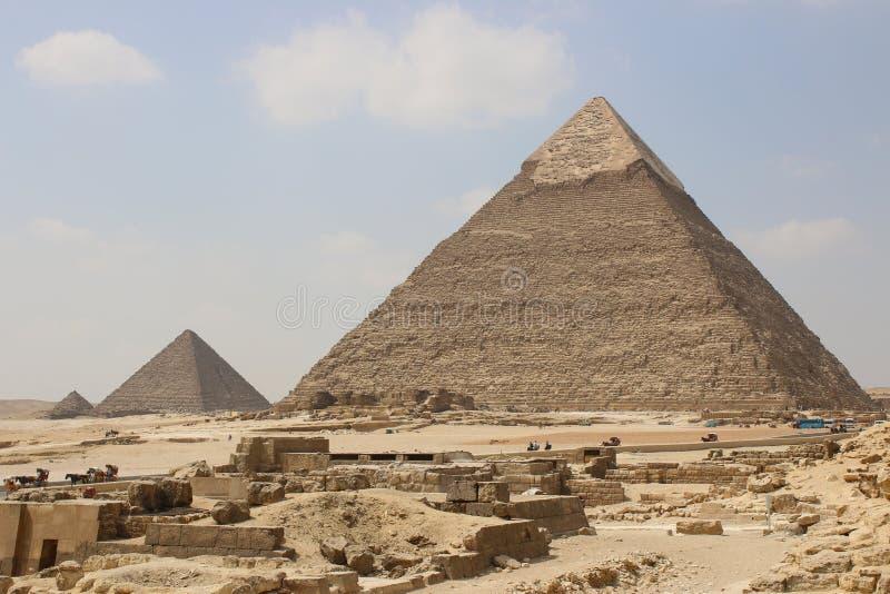 giza stora pyramider cairo egypt arkivbilder