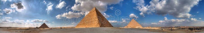 giza stora pyramider tre royaltyfria bilder