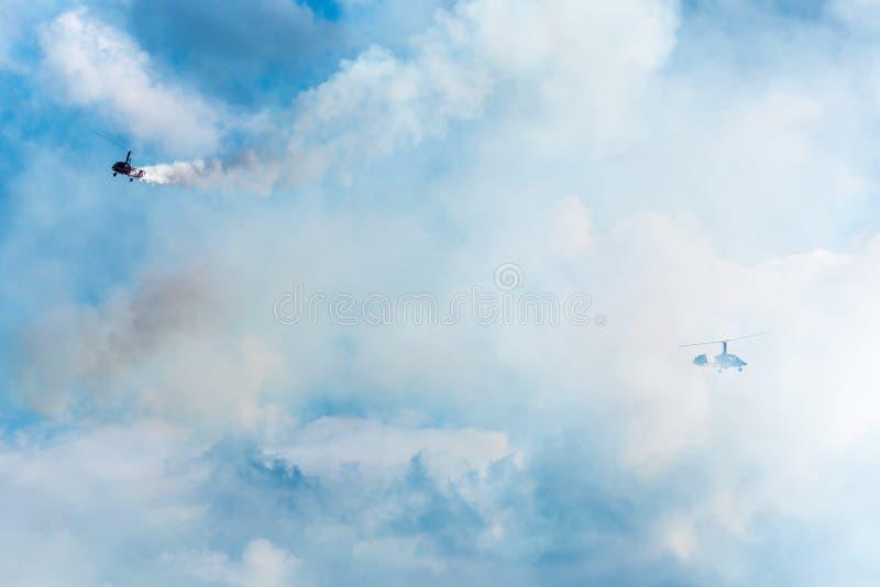 GIZYCKO,波兰- 2018年8月5日:旋转直升飞机或旋翼机在flig 库存照片