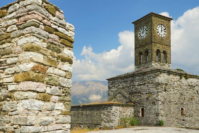 Gjirokast�r城堡,钟塔 免版税库存图片