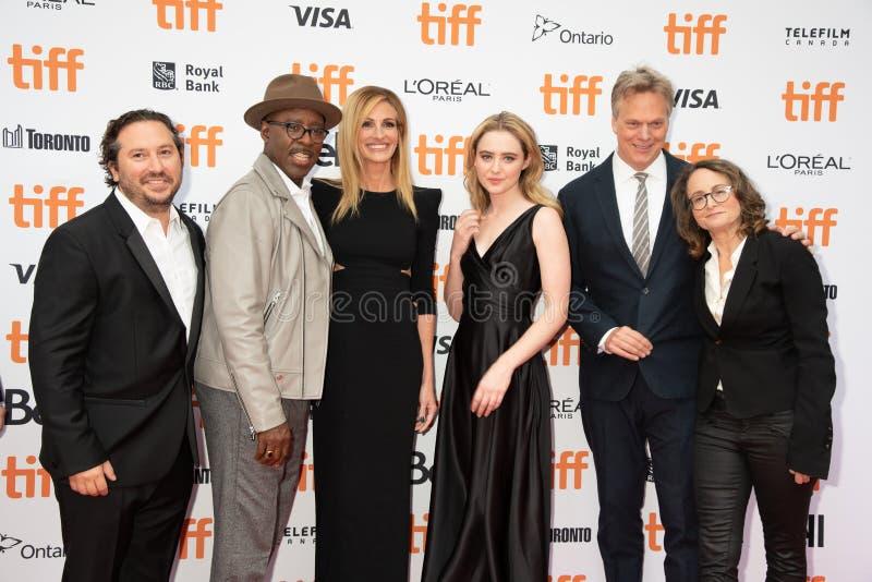 Gjuta och besättningen på premiären av `-Ben Is Back `, på Toronto den internationella filmfestivalen 2018 arkivbild