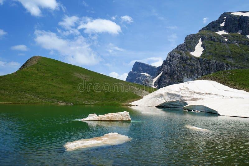 Gkamila szczyt i Drakolomni †'Dragonlake zdjęcie royalty free