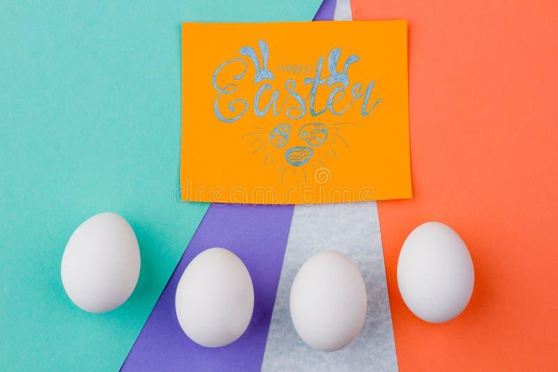 Glücklicher bunter Hintergrund Ostern lizenzfreie stockfotografie