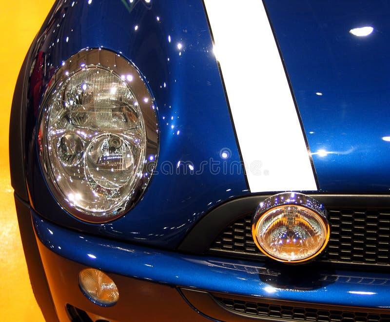 Glänzende blaue Schutzvorrichtung stockbild