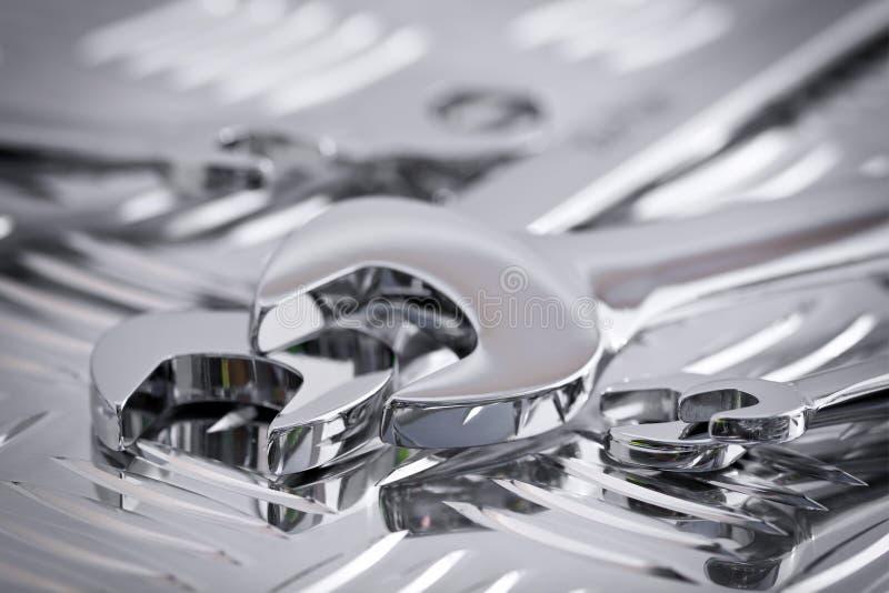 Glänzende Chromschlüssel stockfoto